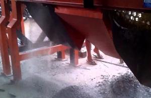 Video stonecrusher sedang berproduksi