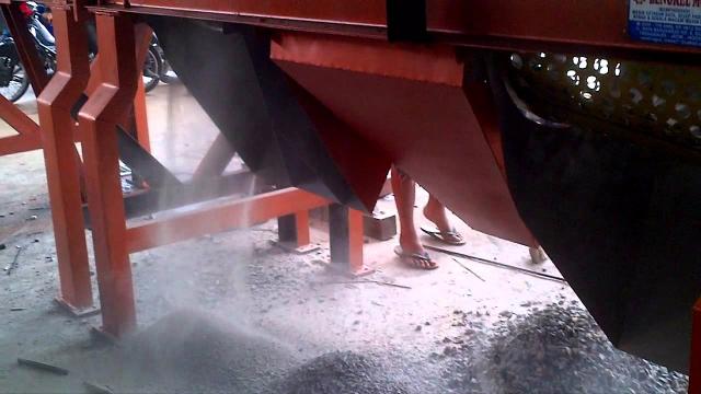 Video pengujian mesin pemecah ...